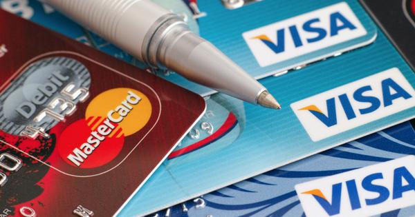 Carte bancaire gratuite dans les banques en ligne